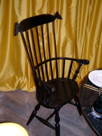 Moby Dick Comb back windsor chair