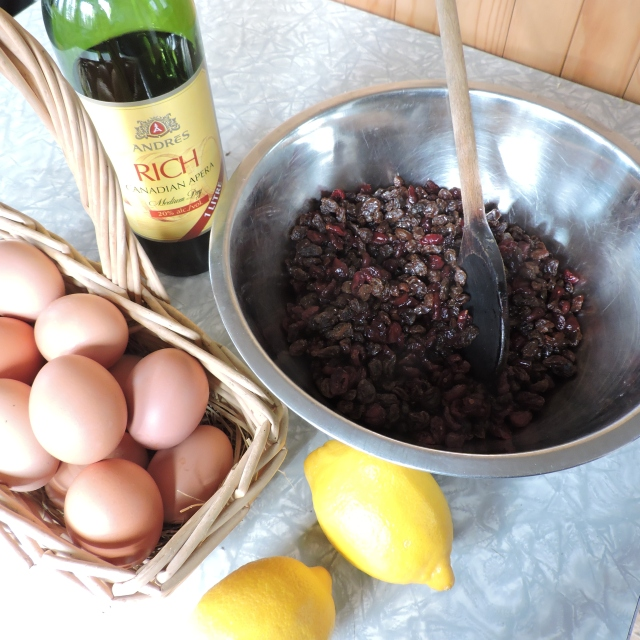 ingredients for christmas pudding